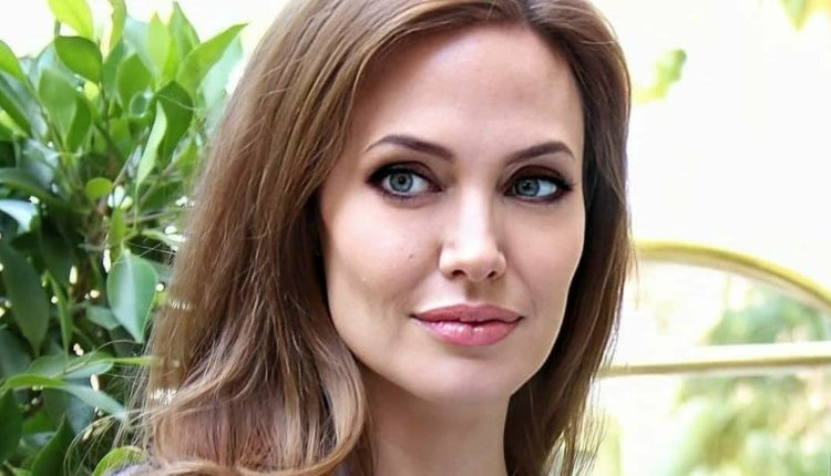 Angelina Rocker Halloween 2020 Angelina Jolie Wants TO Move Her Children to London   Daily Soap Dish